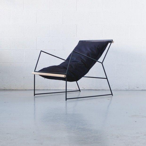 Mitz Takashi est né et a grandi à Osaka, il vit et travaille aujourd'hui à Montréal au Canada. Designer spécialisé dans la conception de meubles, il imagin