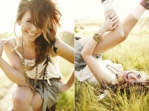 outdoor photography ideas for women | awesome photos. senior pose ideas. by margo