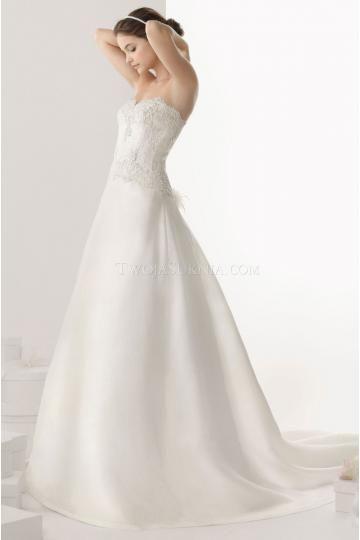 A-linie Romantische Ausgefallene Brautkleider aus Organza mit Applikation