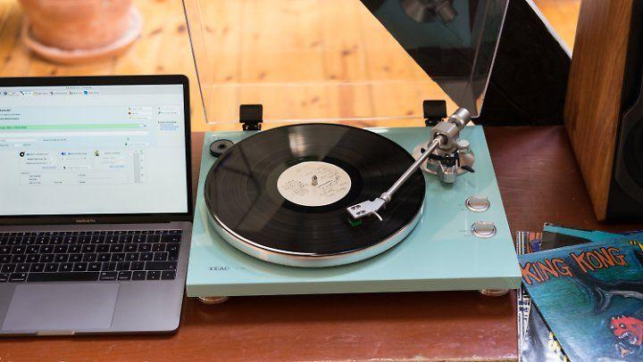 Der Plattenspieler kann direkt via USB mit Computern verbunden werden.