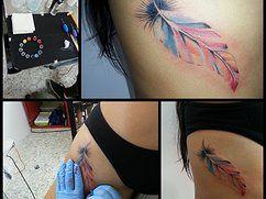 feather color tattoo, tatuaje de pluma a color by Tattooist Castro para Rodadero Ink
