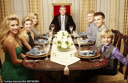 Todd Chrisley's family photos,spend $300,000 a year on clothes