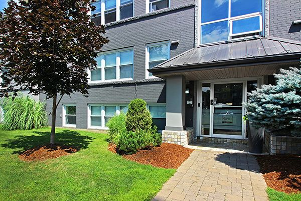 Learn Why Our Student Living At 939 Western Is The Best Off Campus Complex For Western University Student Western University London Apartment Student Apartment