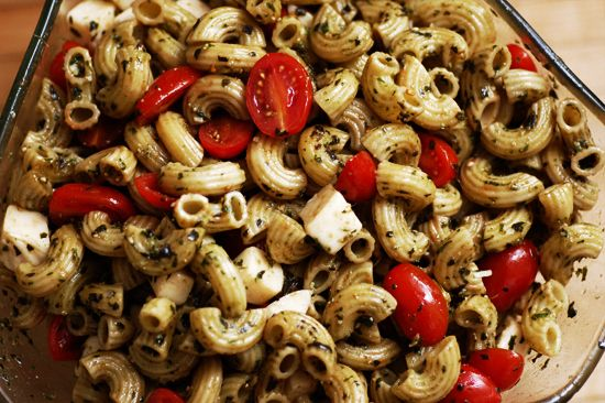 Caprese Pasta Salad | 29 Pasta Salads To Chill Out With This Summer