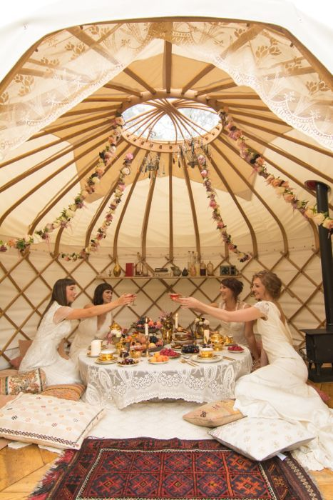 Wedding Yurts - Lizzie Jones Styling - 12 ft Yurt - Hen Party - Girlfriends - Champagne Cocktails - Jenny Packham Wedding Dress - Alice Temperley Wedding Dress - Emma Hunt Wedding Dress - Bohemian - Flower Garlands