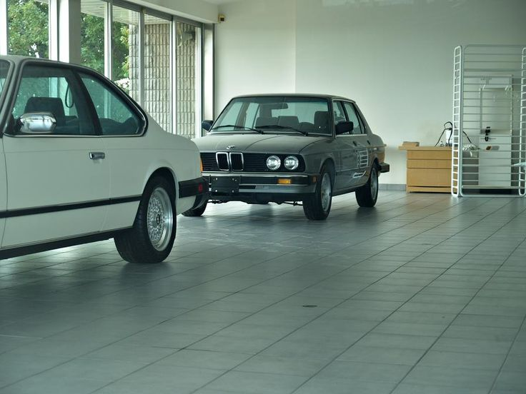 """The story of the ghost BMW dealership starts in 1988 when the company operating under the name """"Citation Motors"""" had its license revoked before moving to Toronto and operating under the """"Downtown BMW"""" name."""