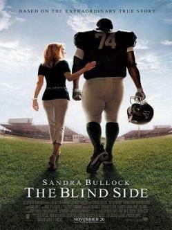 THE BLIND SIDE, John Lee Hancock  (2009)   Aquesta pel·lícula està basada en fets reals. Michael Oher és un jove negre sense llar, és acollit per una família blanca , disposada a donar-li tot el seu suport perquè pugui triomfar tant com a jugador de futbol americà com en la seva vida privada.´ Aquesta peli l'he triada perquè em va gradar molt quan la vaig veure. És molt maca.