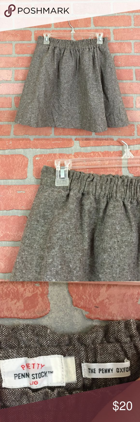 """Pretty penny stock Oxford skirt, linen #322 This Pretty Penny Stock """"Penny Oxford"""" a-line mini skirt is a cute skirt to wear all year round! It is a nice lined linen material and has pockets! 😍.  It is a size Large but measures 15-16.5"""" flat across the elastic waist and is 17"""" long. It is in good preowned condition with no known flaws. pretty penny stock Skirts Mini"""