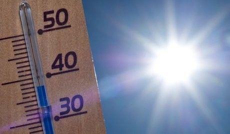 """Temperaturas chegam aos 40 graus em dia de calor em Portugal - O distrito da Guarda está sob """"aviso amarelo"""" devido ao tempo quente."""