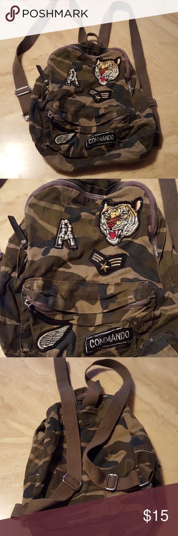 Pull and Bear Camo backpack Super cute Pull&Bear Bags