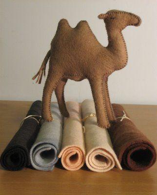 Camello en fieltro