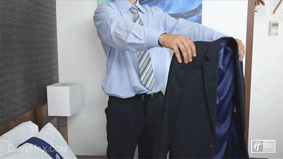 Fold your blazer inside-out to prevent it from wrinkling. | 25 Mind-Blowing Tips That Will Change The Way You Pack For Travel