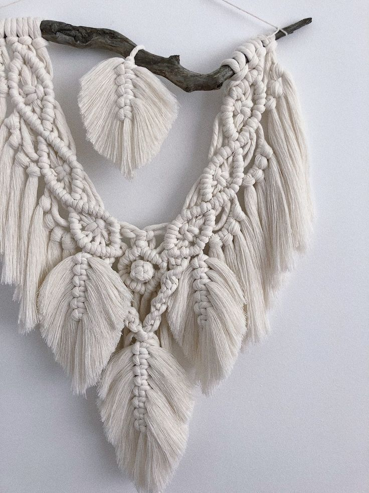 Bohemian style macrame wall hanging, feathers, tapestry, wall decor – Hochzeitsgeschenk