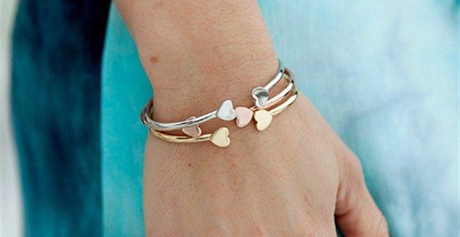 Dainty heart bracelet