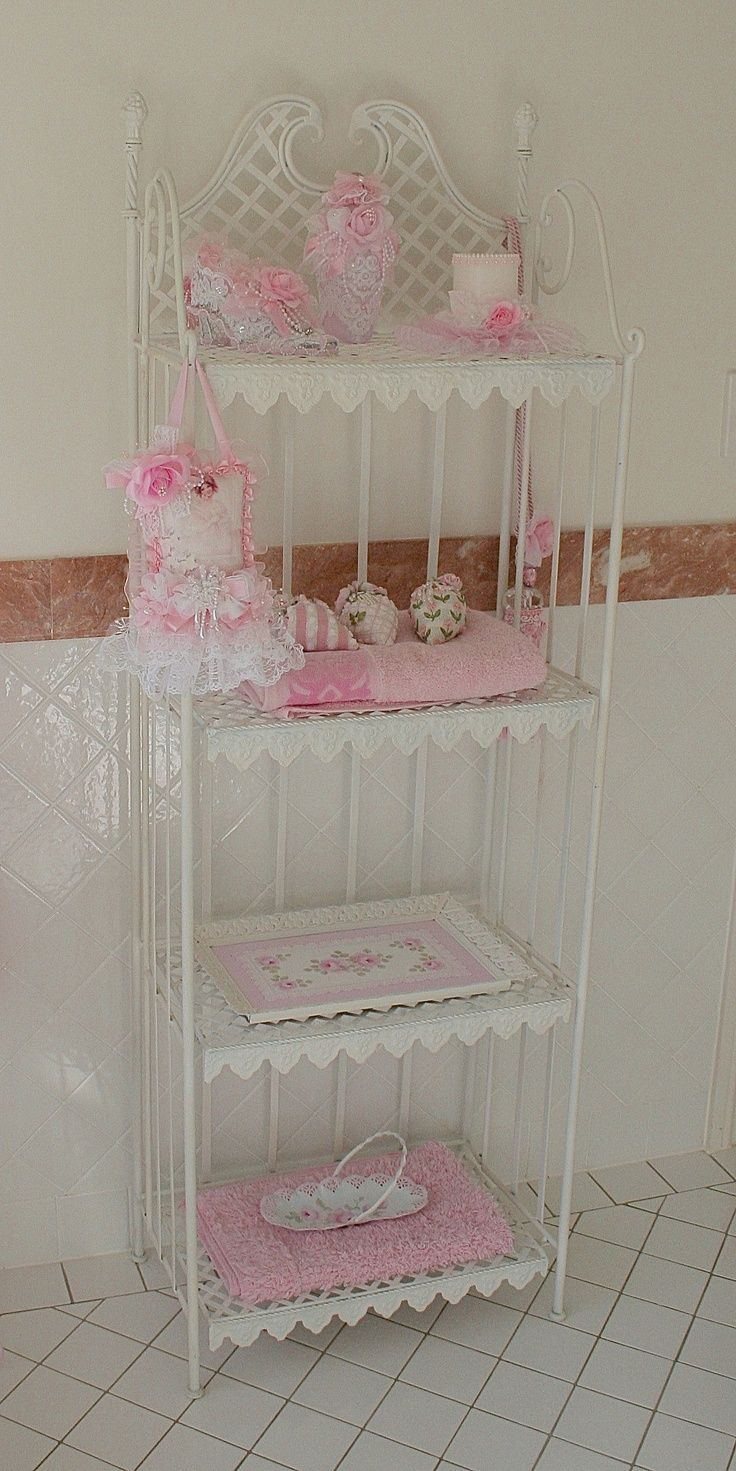 Romantic shabby chic home romantic shabby chic blog - Gonna Paint My Black Bakers Shelves Like This Like The Idea Now To Find One At A Garage Sale Find This Pin And More On My Romantic Shabby Chic Home