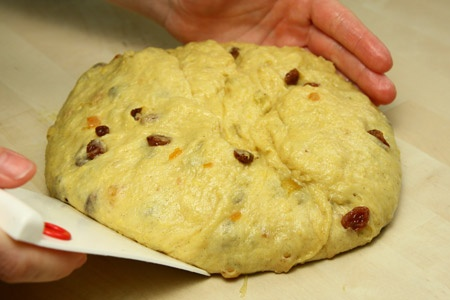 Panettone recipe from Giallo Zafferano (Italian)