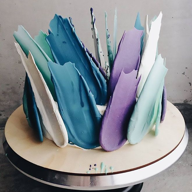 "These Gorgeous ""Brushstroke"" Cakes Are Mesmerizing Instagram Users 