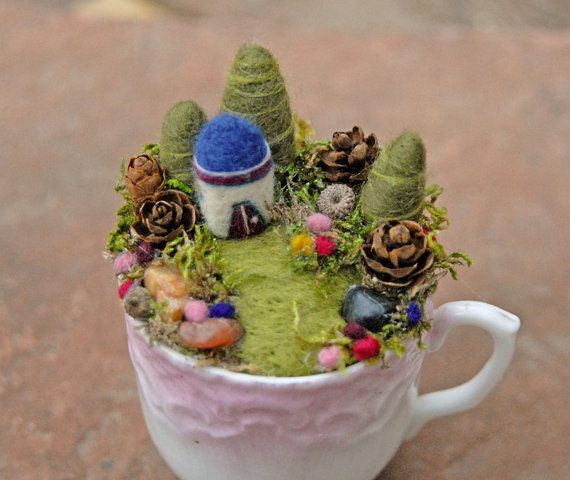 Fairy Garden in a Cup Needle Felted Tiny Fantasy von gingerlittle