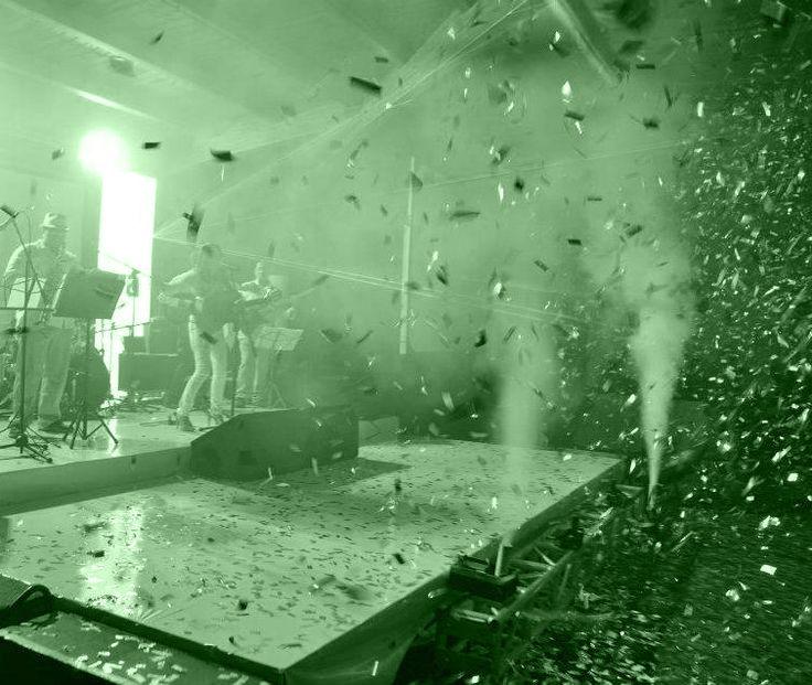 Show y Artistas. Creamos momentos mágicos en sus eventos - Iluminaciones, efectos especiales, emociones y más en Cali. Click NCE el mejor productor de eventos sociales y empresariales, 15 años, matrimonios, celebraciones...