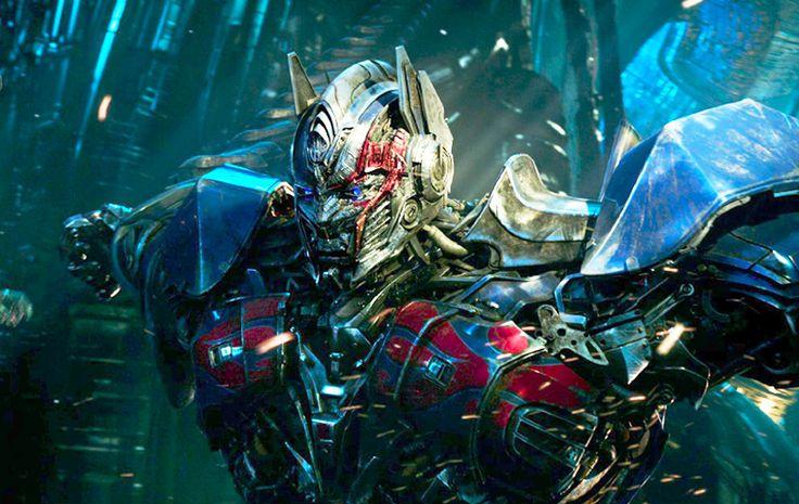 A una década del estreno de la primera película de Transformers, muy pronto podremos Transformers 5 The Last Knight o Transformers: El Último Caballero...   #Cine #Transformers #transformers5 #TráilersCine