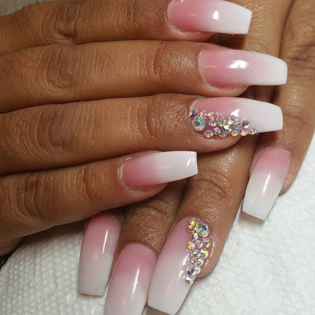 Beautiful set of Pink and White Fade Nails using Tammy Taylor Cover It Up Dark Pink, Boutonnière Prizma and Whitest White Acrylic by @nailsbykarolyn ✨
