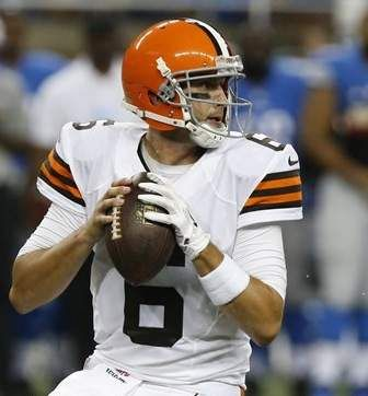 ... Cleveland Browns quarterback Brian Hoyer (6) looks to pass against the  Detroit Lions. 96c2bd783