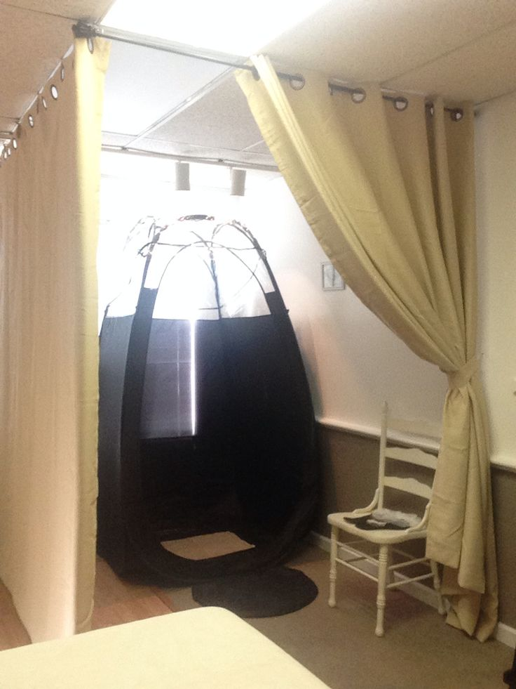 Temporary Spray Tanning Room until Temporary Wall is installed  .. #spraytanning  gives them privacy and separated my spray tanning from my massage room reducing overspray!!