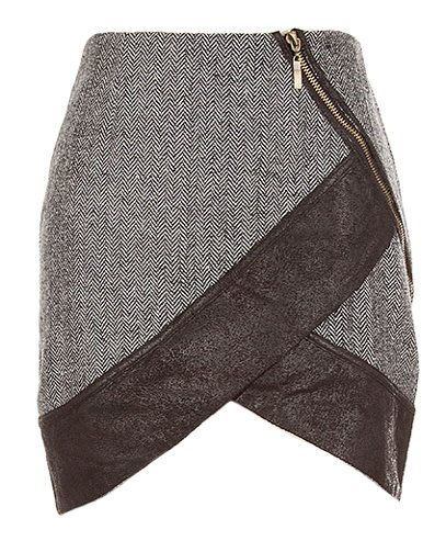 Tulip Rebel Skirt. Paired with a stylish, feminine blouse for Thanksgiving #lulus #holidaywear