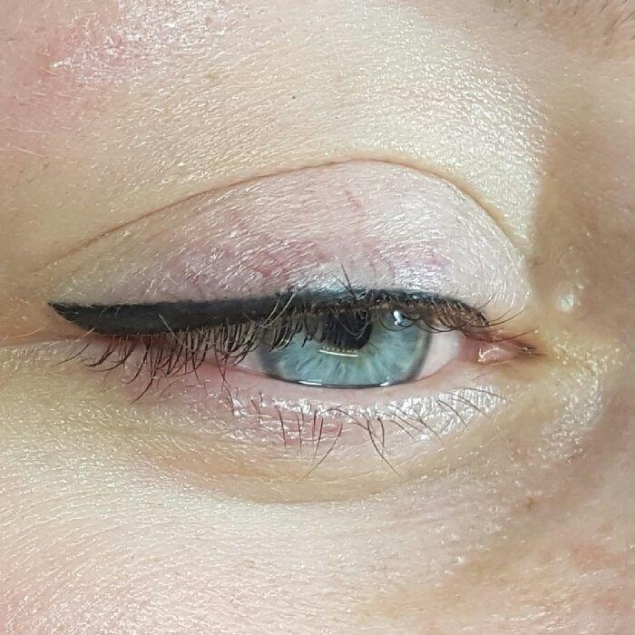 Eyeliner med vinge- 3000:- @skonhetshornansandviken #skonhetshornansandviken #sandviken #nomakeup #pmu #permanentmakeup #kosmetiskpigmentering #kosmetisktatuering #micropigmentering #micropigmentation #stråmetoden #cosmetictattoo #eyebrows #3dögonbryn #ögonbryn3dtatuering #ögonbryn3d #ögonbrynstatuering #tatueraögonbryn #ögonbryn #bryntatuering #ögonbryntatuering #beauty #nophotoshop #nofilter #eyeliner #lashline #ögon #öga…