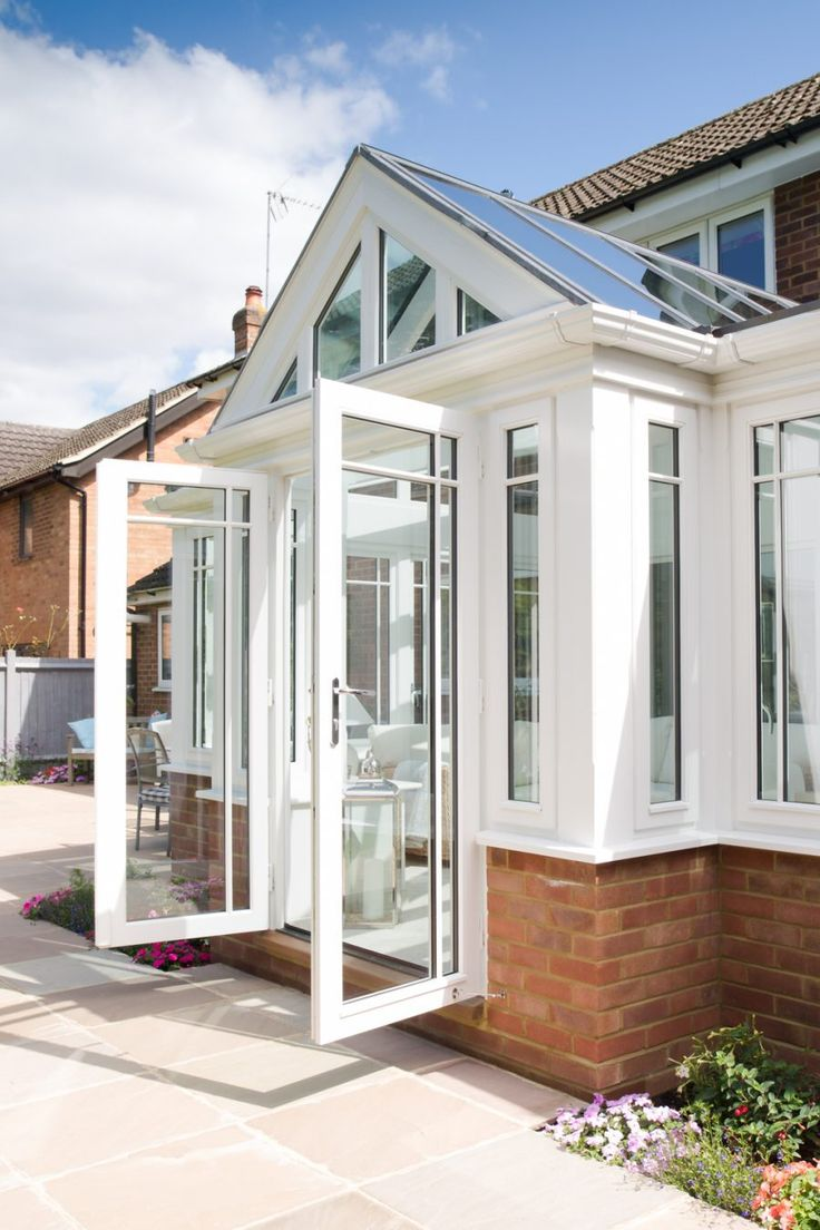 Since 1979, Everitt & Jones have been working hard to provide our customers with high quality Wooden Bespoke Conservatories, Orangeries, Windows & Doors