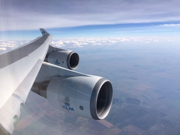 GE engines left wing from Boeing 747