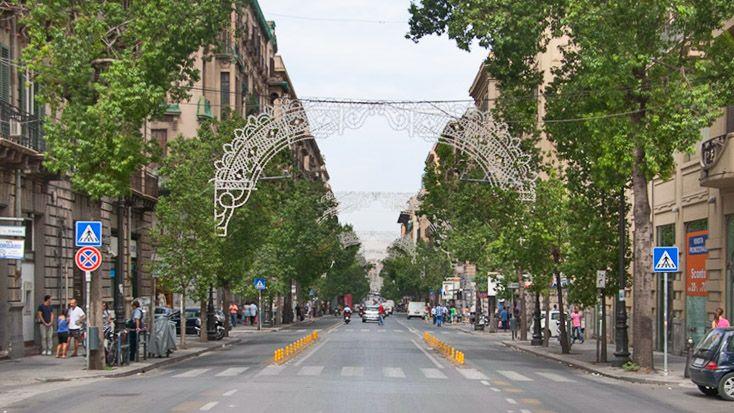 Blick in die Via Roma - Palermos größte Einkaufsstraße
