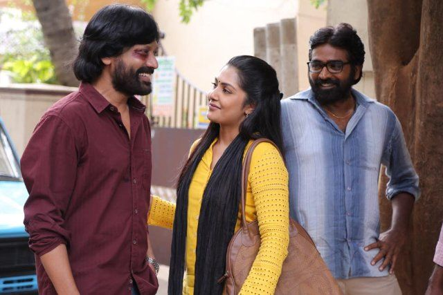 Surya S.J., Kamalinee Mukherjee, and Vijay Sethupathi in Iraivi (2016)