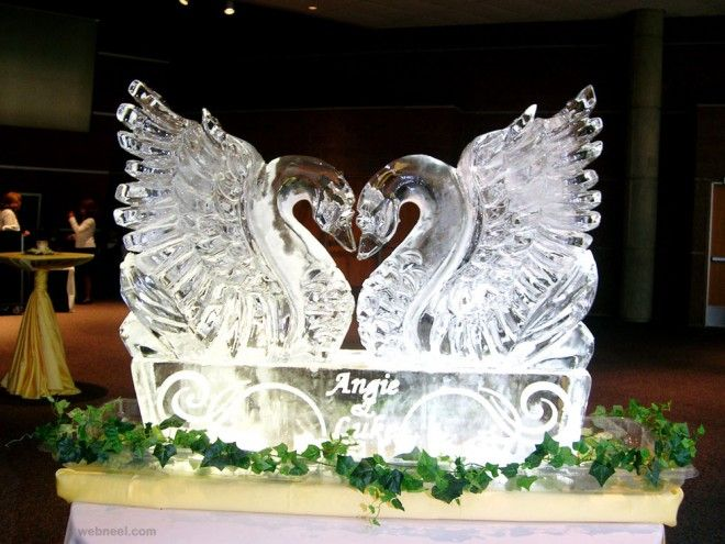ice sculpture swan