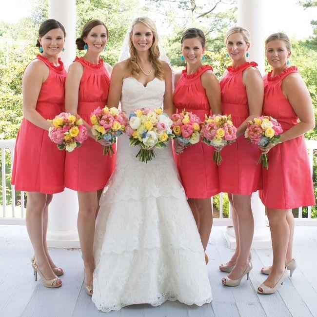 A 17 legjobb ötlet a következőről: Coral Bridesmaids a Pinteresten
