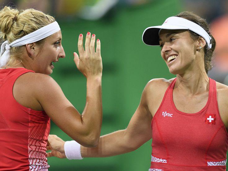 Kateryna Bondarenko/Yulia Putintseva vs Martina Hingis/Coco Vandeweghe WTA Sydney Doubles 2017 Tennis Live