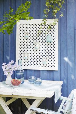 Posiadasz piękny dom z tarasem? A może dysponujesz przestronnym balkonem? Udekoruj swój dom na zewnątrz piękną kratką na kwiaty i lampiony!