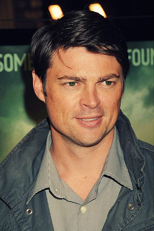 1000 images about fangirling karl urban on pinterest posts the chronicles of riddick and. Black Bedroom Furniture Sets. Home Design Ideas