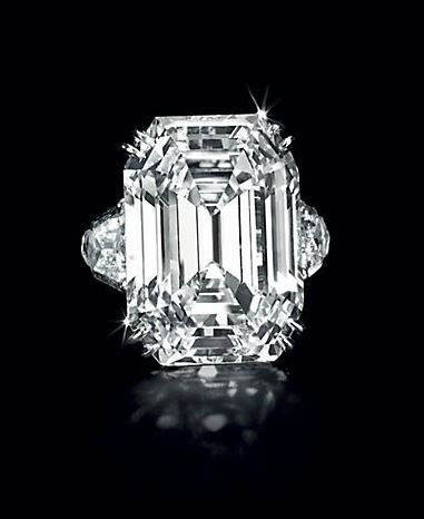A Diamond Ring from The Diana Dollar Knowles Collection – 17.00 carats, F color, VS1 clarity – Estimate: $500,000 – $700,000. Photo: Christie's Images Ltd 2013.
