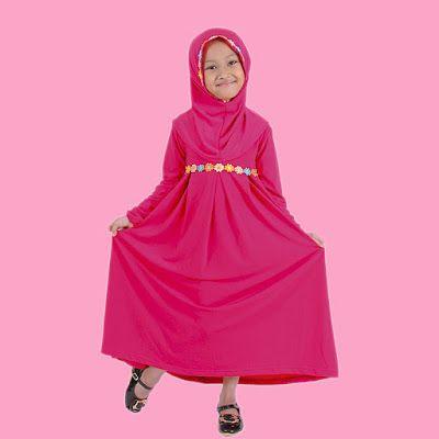 baju muslim anak  model gamis polos, cocok untuk mengajarkas si kecil membiasakan pakaian tertutup dan bikin penampilan si kecil makin lu...