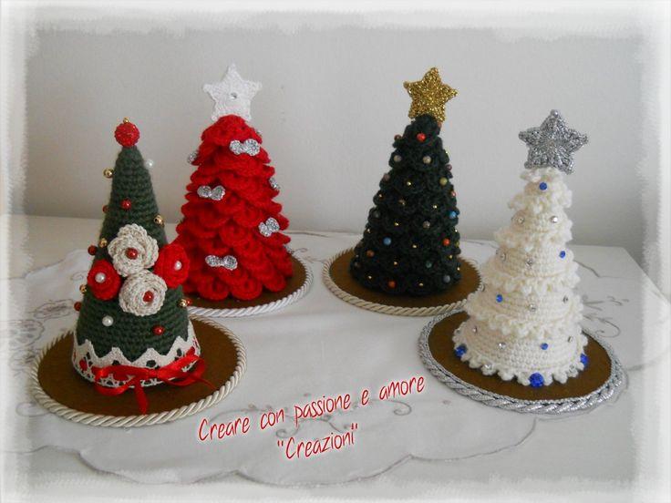 Alberelli di Natale ad uncinetto by https://www.facebook.com/CreareconpassioneeamoreCreazioni/ … … #amigurumi #crochet #handmade #lemaddine #Christmas