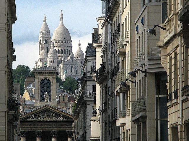 street view in montmartre paris france travels and places pinte. Black Bedroom Furniture Sets. Home Design Ideas