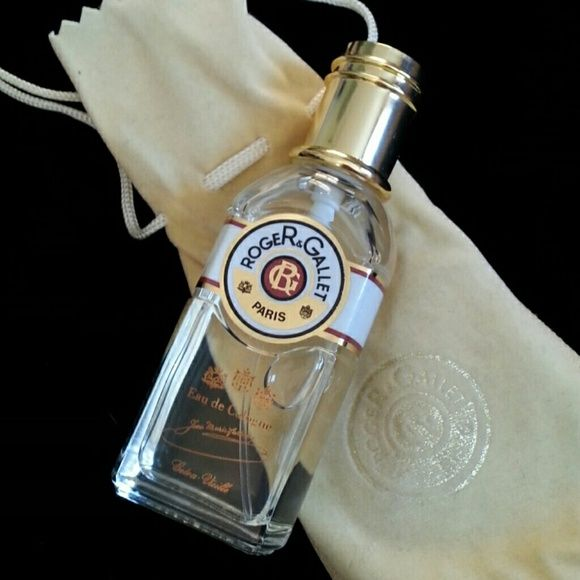 Roger & Gallet Jean Marie Fatina Eau De Cologne Never used Roger & Gallet Paris -Extra Vieille Eau De Cologne.  A strong citrus aromatic fragrance for men. Crisp clean sharp greenery & uplifting. Sharp strong scent cologne.  Comes in a sueded drawstring pouch. Pouch has marks on it from being stored and protecting bottle. . Can possibly be cleaned up. Bottle is in excellent condition and never used. Came only in pouch. Roger and Gallet Paris Other