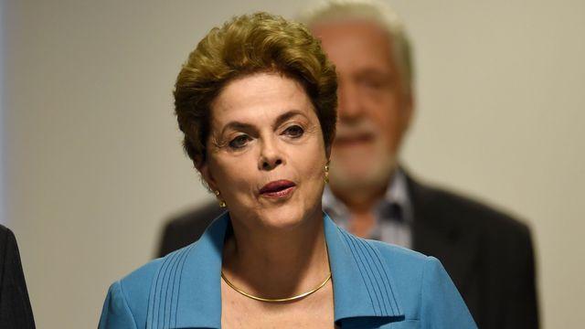 """Brésil : Dilma Rousseff """"indignée"""" par le vote sur sa destitution"""