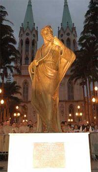 Statue of St. Paul, the Apostle at Praça da Sé.