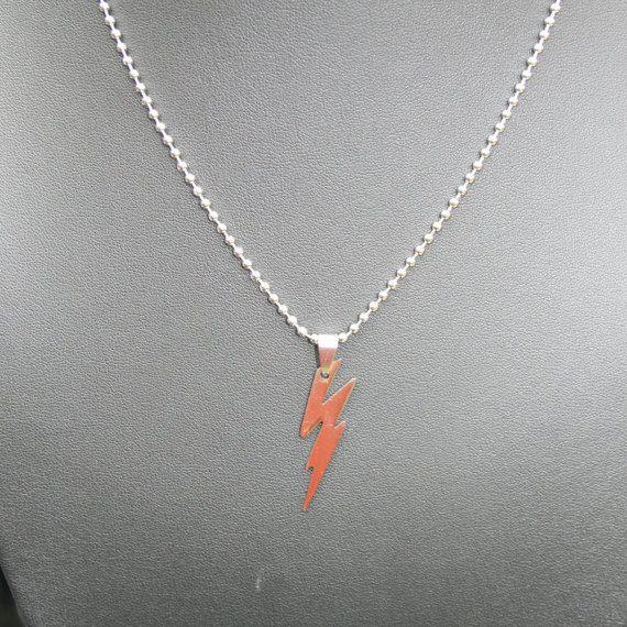 *:・゚✧*:・゚✧*:・゚✧*:・゚✧*:・゚✧  Flash-Blitz Halskette, Edelstahl  Perfekt für jeden DC-Comic-Fan.  Schwarzer, gewachster Schnur Halsketten mit Karabiner-Verschluss ist 44 cm (17 Zoll) in der Länge und Anhänger ist ca. 4cm in der Höhe.  Schlingnatter Kette mit Karabiner-Verschluss ist 60cm (34 Zoll) und Anhänger ist 4cm hoch.  Perle/Kugelkette mit Ball und gemeinsame Spange beträgt 50cm (20 Zoll) und Anhänger ist 4cm hoch.  *:・゚✧*:・゚✧*:・゚✧*:・゚✧*:・゚✧  -------------------------------------------...
