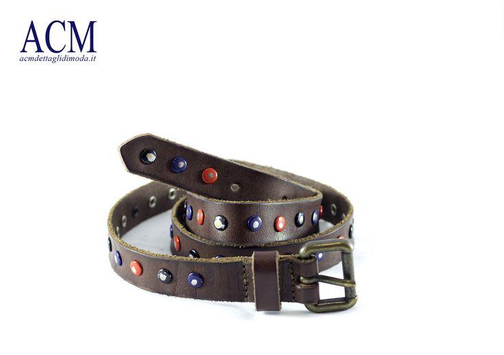 Cintura in pelle bottalata con borchie invecchiate e fibbia ottone vecchio #vintage #belt #woman #studs