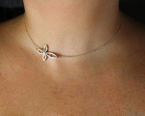 Seitwärts Kreuz Halskette Frauen von SweetheartsandCrafts auf Etsy