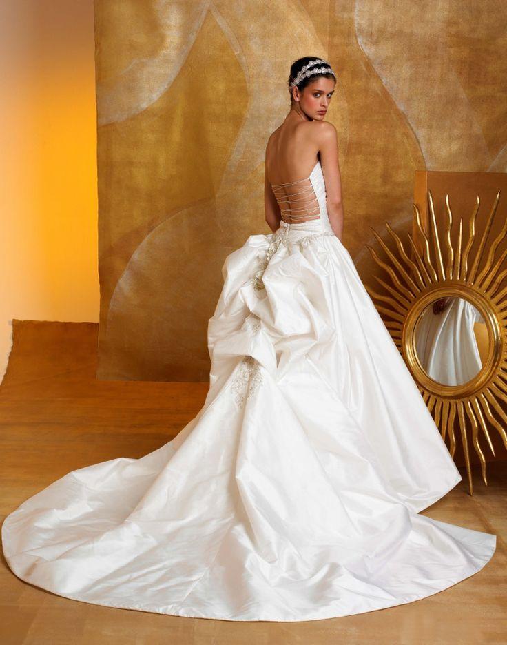 19 best St Pucchi images on Pinterest   Wedding dressses, Wedding ...