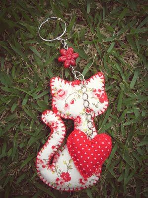 Cat with heart keychain